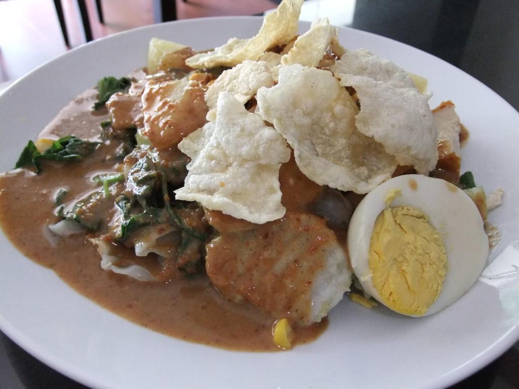 A plate of Gado-gado